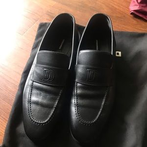 Neatly used DSQUARED2 Penny black loafers 43 size